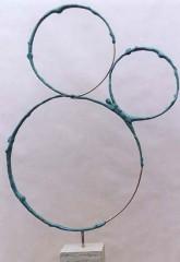 Figure in tre cerchi '00 bronzo h cm70
