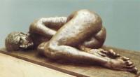 Donna distesa di fianco '79 bronzo cm120x62